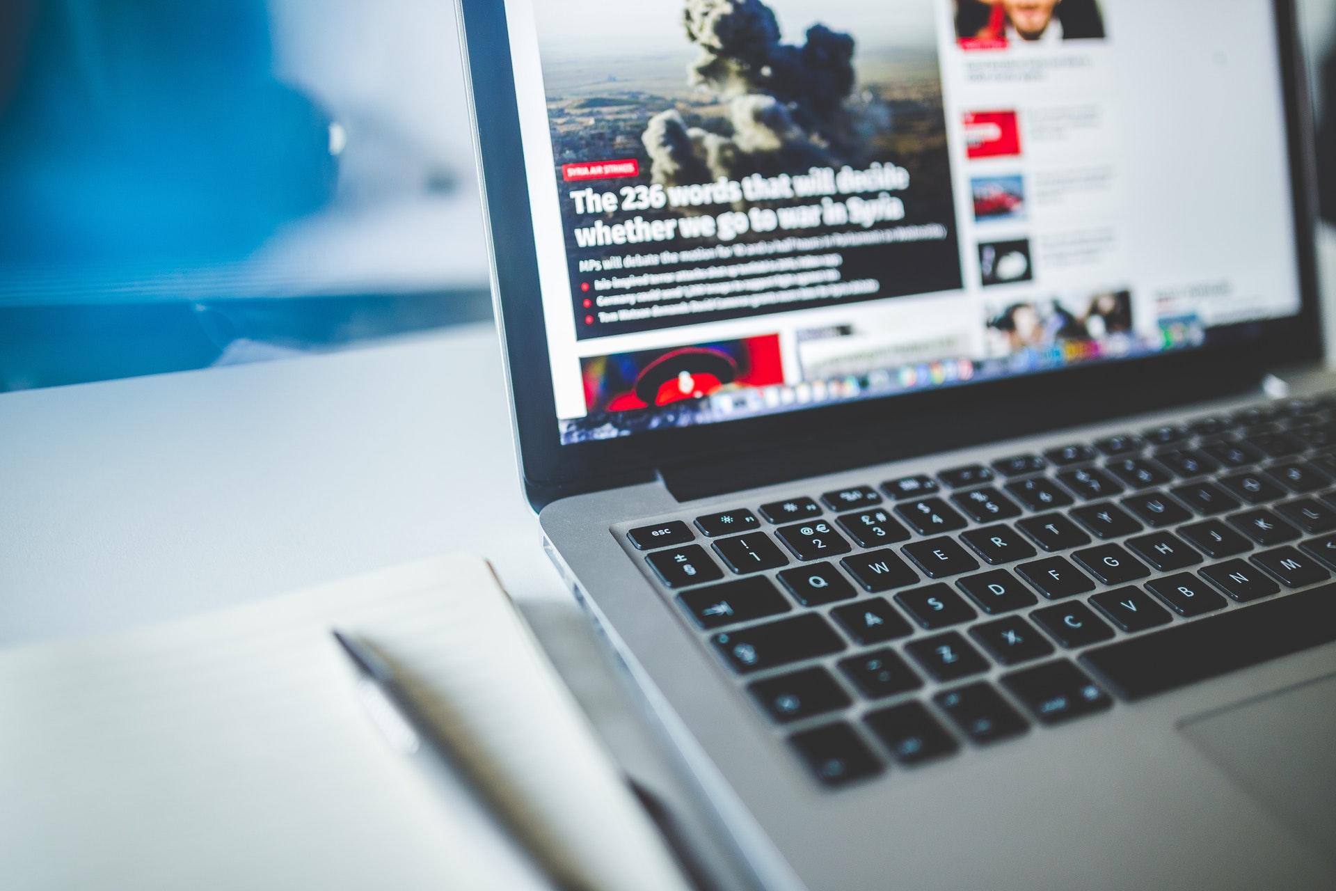 Actriz Porno Es Mordida Por Tiburon internet, redes sociales y la crisis del periodismo